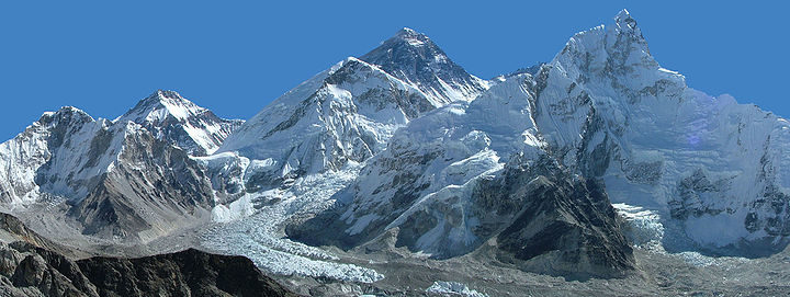 Climb mt. Everest 3D, from base camp to the Summit.